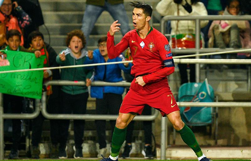 ルクセンブルク 対 ポルトガル